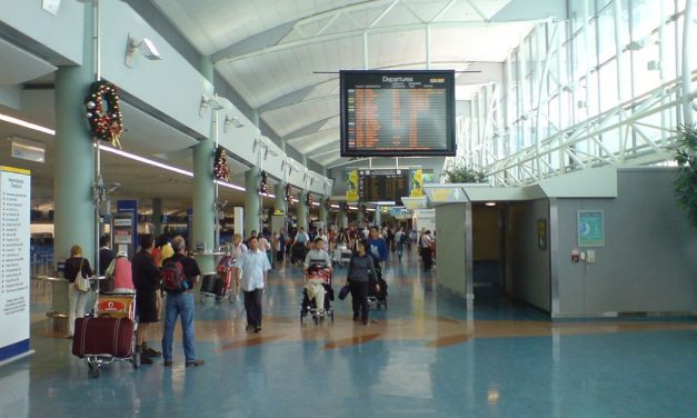Customs System Outage Causes Travelers To Come To A Halt