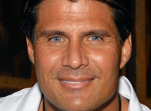 Jose Canseco Shoots Off His Own Finger