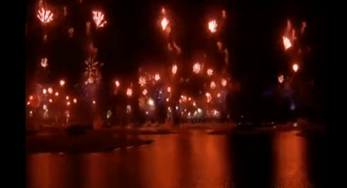 Dubai Throws Worlds Largest Fireworks Display to Ring in 2014