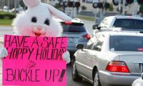 Florida Police In West Palm Beach Pose As Giant Bunnies To Catch Illegal Drivers…THIS IS NOT A NICE BUNNY RABBIT !!!