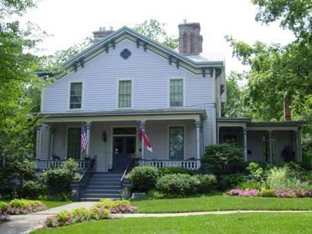 The Oakwood Inn is Raleigh, North Carolina's First and Only Bed and Breakfast!