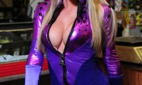 "Sara Jean Underwood Plays ""Busty"" Superhero On Attack Of The Show. Producers Say She Sold Out…."