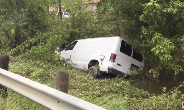 Houston – Family of Six Found Drowned Inside Submerged Van