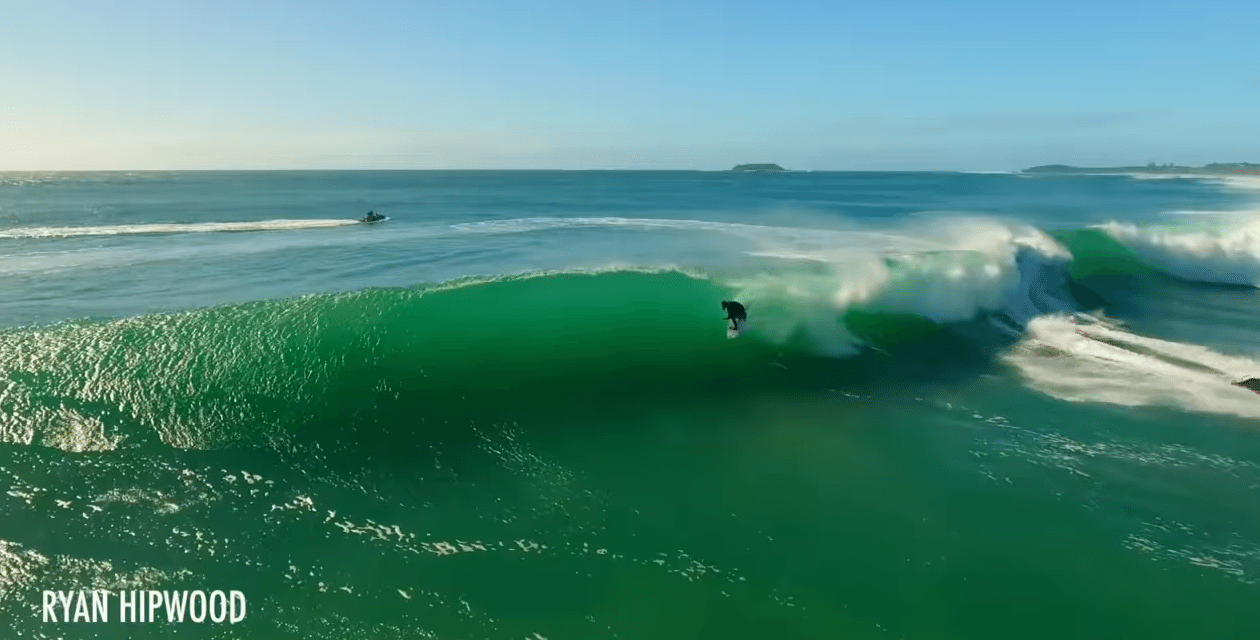 Amazing Pipeline Waves on The Gold Coast