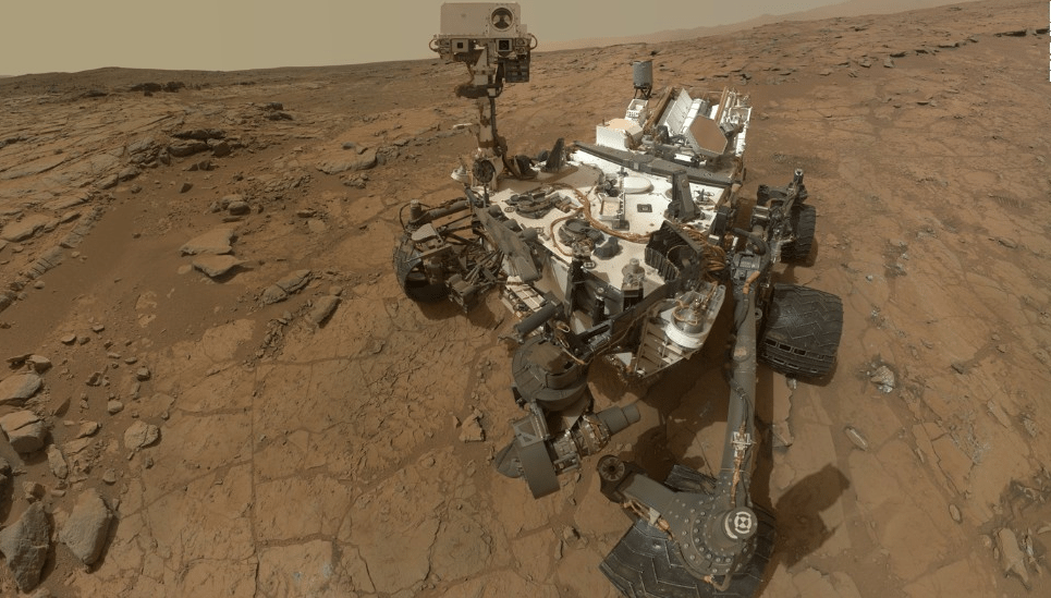 Mars Rover Sends Back a Ton of Awesome Pics From the Martian Surface