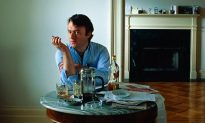 Christopher Hitchens Gets Waterboarded (VANITY FAIR)