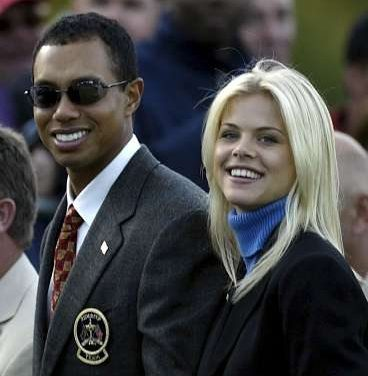 Tigers wife chases him with Golf Club!!!