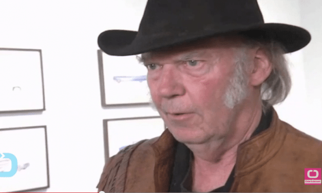Neil Young Removes All Music From Streaming Services