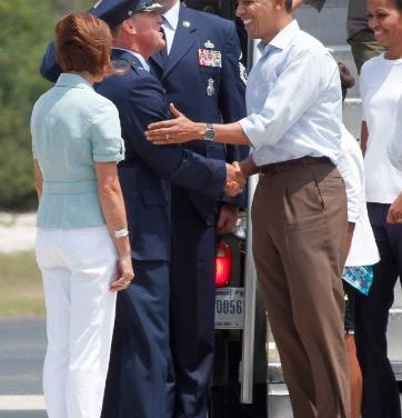 Why is Obama Passing Notes to Air Force General Wilson?