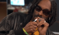Snoop Dogg Smokes A Blunt And Freestyles On Air